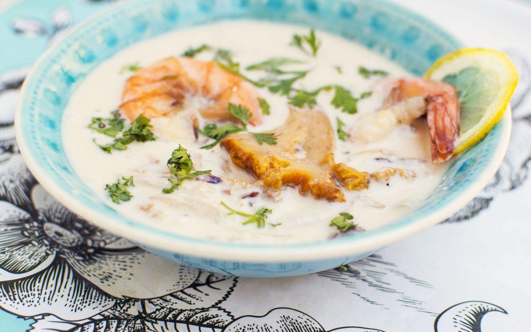 Rókagombás kókuszkrém-leves garnélával